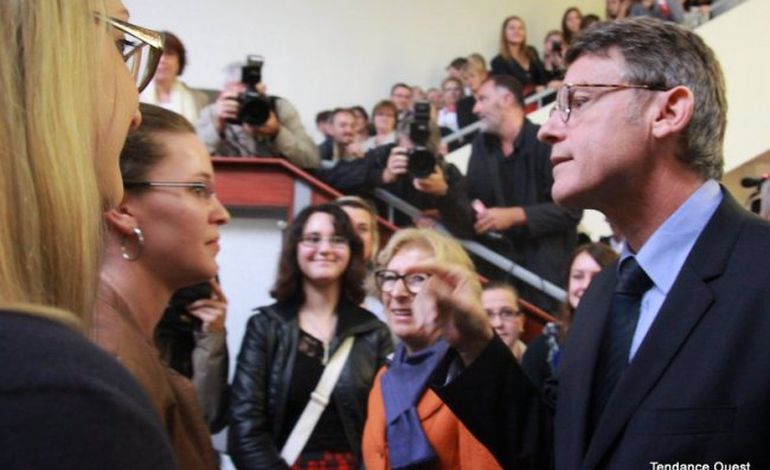 Peillon et Fioraso lancent la nouvelle école du professorat à Caen