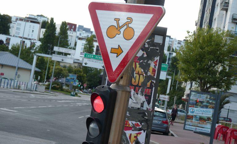 Cherbourg c 39 est quoi ce panneau for Feu vert cherbourg
