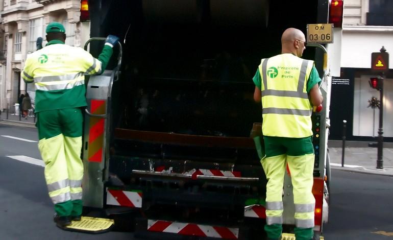 Les éboueurs en grève à Rouen