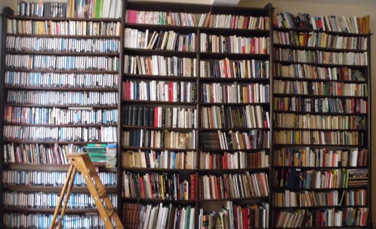 le plein de bonnes id es pour ranger ses livres. Black Bedroom Furniture Sets. Home Design Ideas