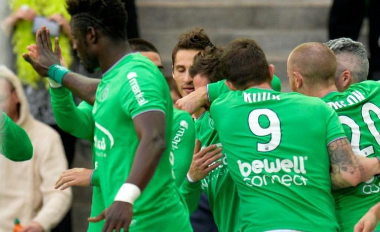Ligue 1: les Verts font chuter Angers de sa place de dauphin