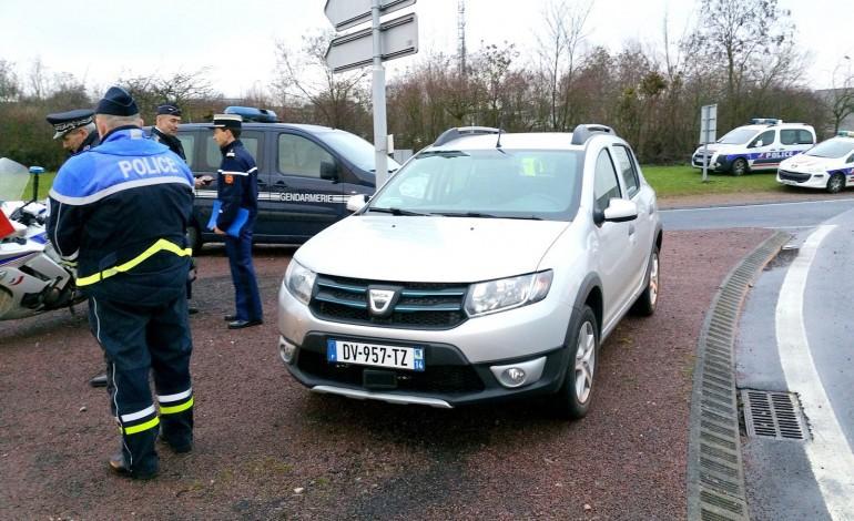 Calvados : la voiture radar qui flashe devant et derrière est arrivée