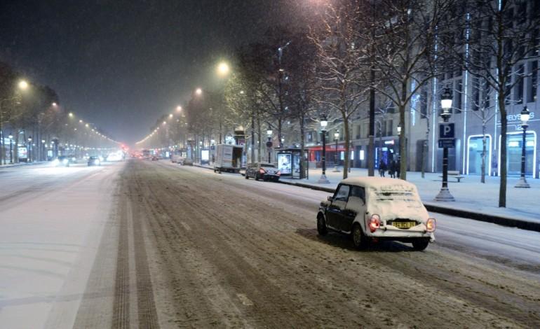 Samedi, la neige s'invite, notamment en Ile-de-France et dans le nord du pays