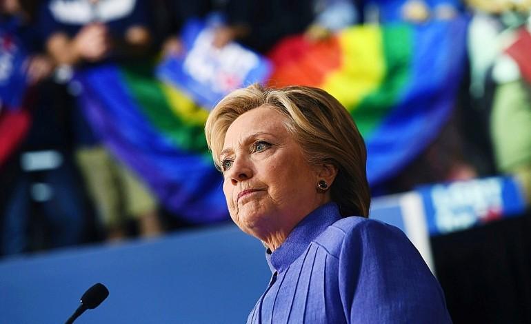 Maison Blanche: les sondages se resserrent entre Clinton et Trump
