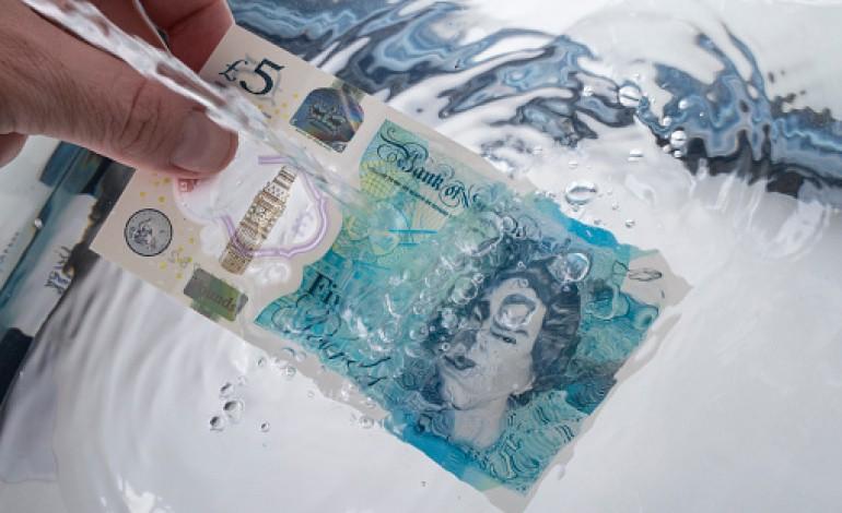 billet de banque passe a la machine a laver
