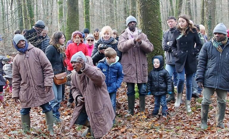 Trois Pygmées dans les forêts de l'Orne