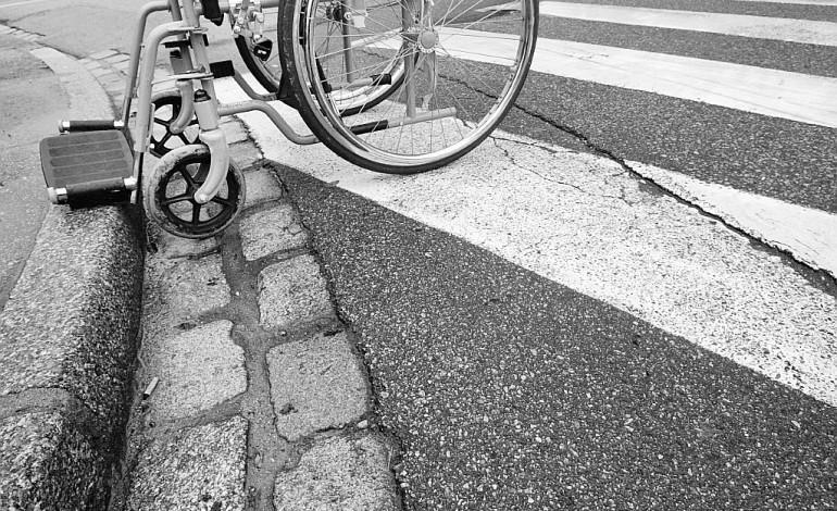 Handicap: la SNCF s'engage à rendre 160 gares accessibles