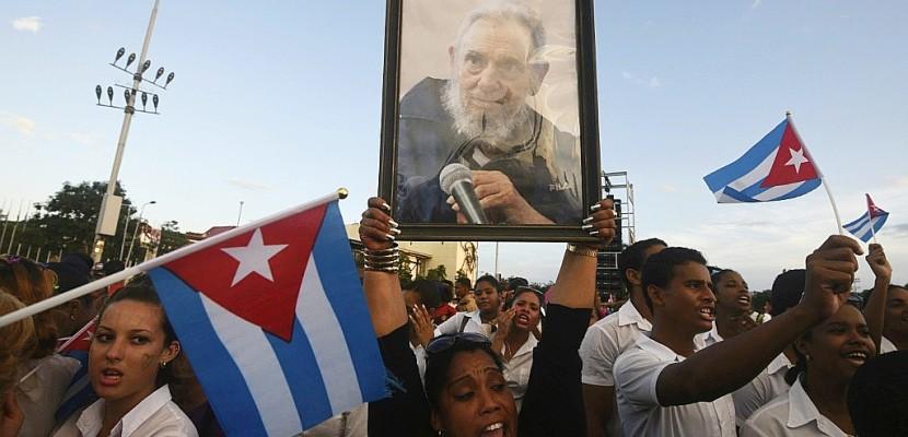 Santiago de Cuba fait ses adieux à Fidel Castro avant ses funérailles