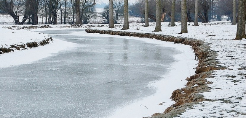 En Normandie, un enfant coincé dans un bassin d'eau glacée