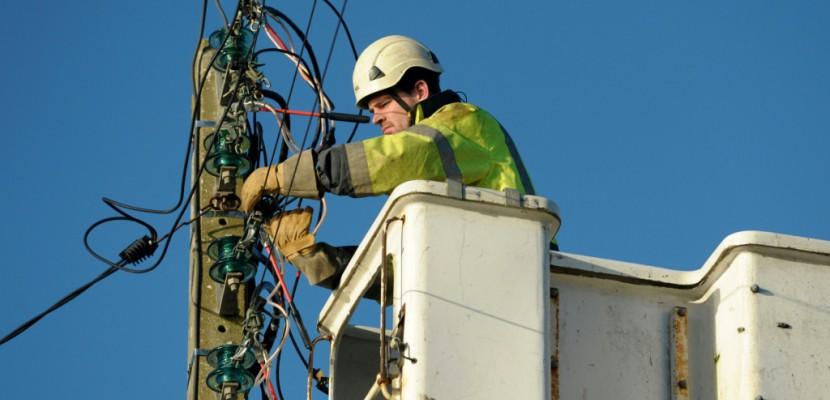 Tempête: 35.000 foyers toujours privés d'électricité