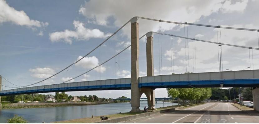 En Normandie, les policiers sauvent un homme qui menace de sauter d'un pont