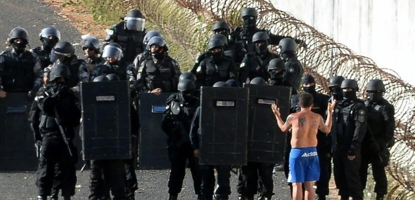 Brésil: émeutes et violences sans fin dans la poudrière des prisons