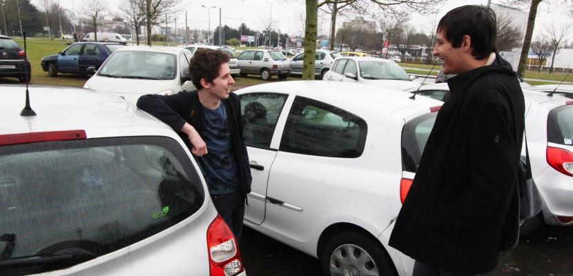 Plateau nord de Caen: le trop-plein de voitures sur les parkings