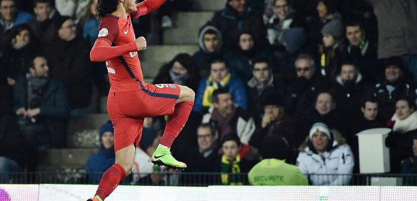Ligue 1: à Nantes, un Cavani record porte un Paris SG transfiguré