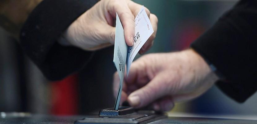 Primaire PS: un million de votants à 17H00 sur 70% des bureaux de vote (organisateurs)