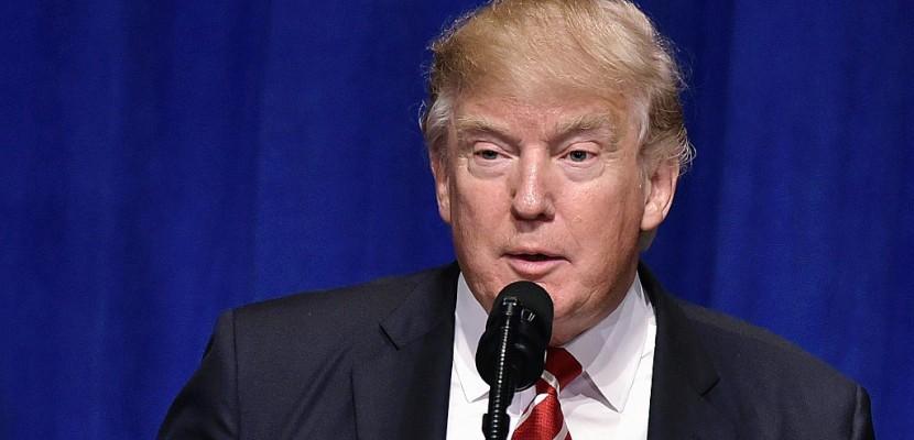 Décret migratoire: Trump défend la légalité du décret