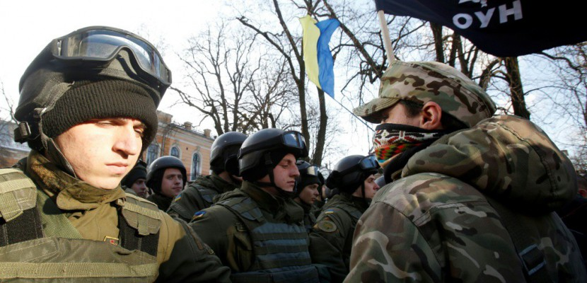Kiev: manifestation ultra-nationaliste en soutien au blocage du charbon rebelle