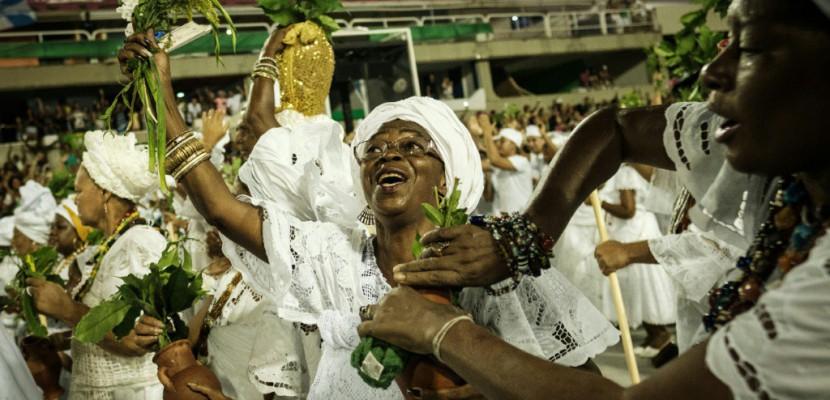 Le carnaval de Rio en mode débrouille pour contourner la crise