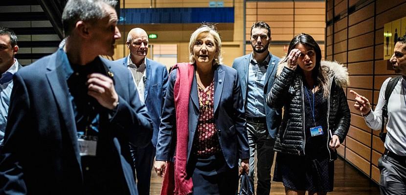 Emplois fictifs: la cheffe de cabinet de Marine Le Pen mise en examen