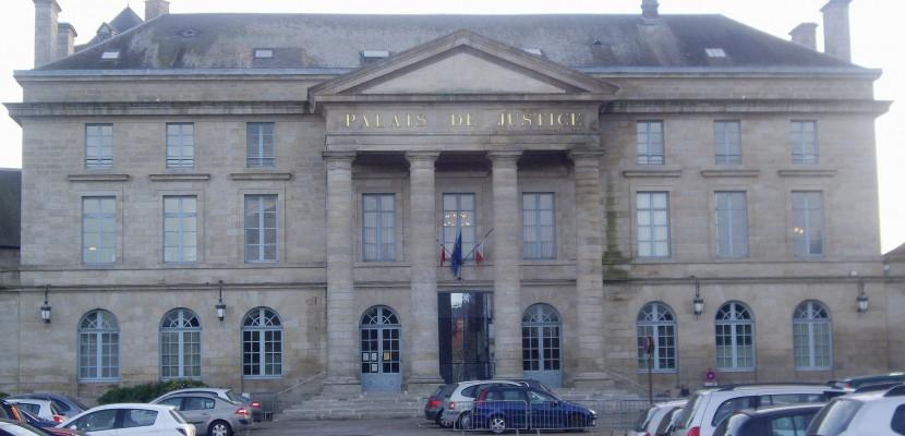 Braquage d'une pizzeria à Alençon : 10 mois de prison pour une vingtaine d'euros