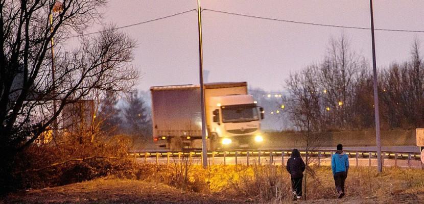 Dans le Calaisis, les migrants se font de moins en moins rares