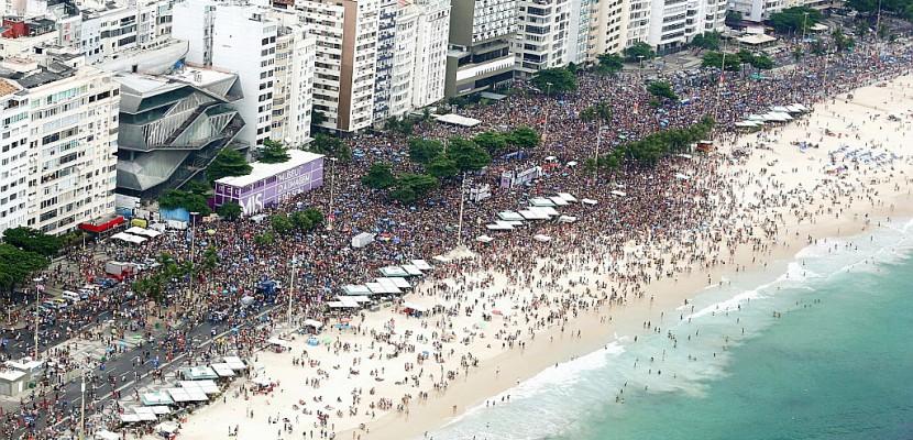 Le Brésil plonge dans le grand bain du carnaval