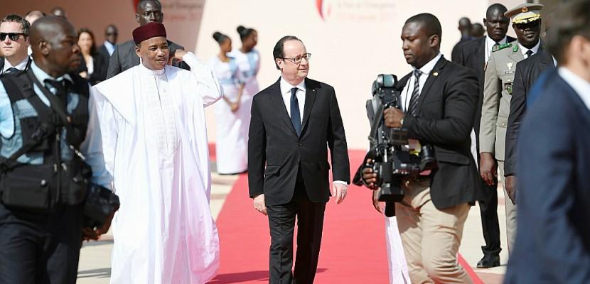 Niger: 16 soldats tués mercredi, la France apporte son soutien
