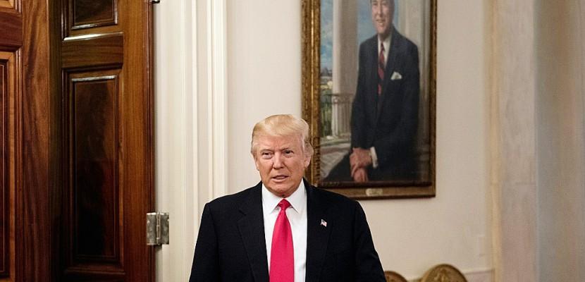 """Trump propose une """"hausse historique"""" des dépenses militaires"""