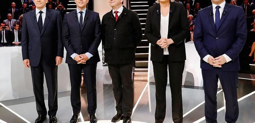 """Présidentielle : un débat """"policé"""" et sans surprise, selon la presse"""