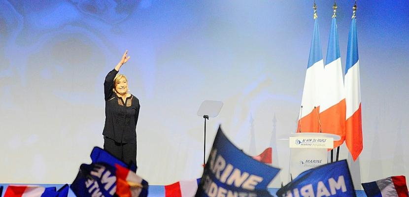 Sueurs froides face à la sortie de l'euro promise par Le Pen