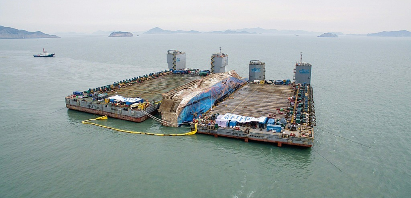 Corée du Sud: préparatifs du transfert de l'épave du ferry Sewol
