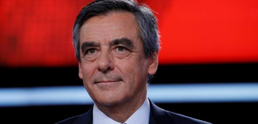 """A Biarritz, Fillon accuse la gauche de vouloir le """"tuer"""""""