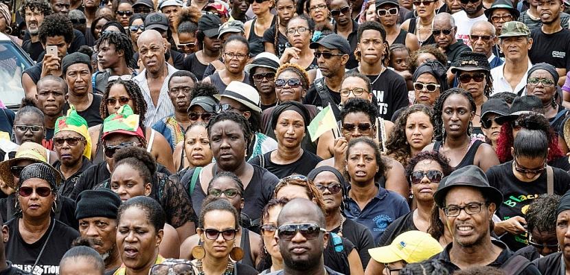 """Guyane: Fekl et Bareigts sur place après la """"journée morte"""""""