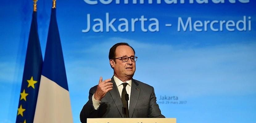 """Brexit: Hollande """"pense que ce sera douloureux pour les Britanniques"""""""