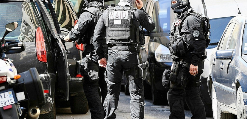"""Attentat """"imminent"""" déjoué: le point sur l'enquête"""