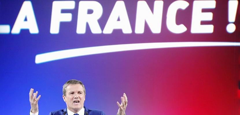 """Dupont-Aignan accuse Fillon d'avoir """"pris en otage l'élection"""""""