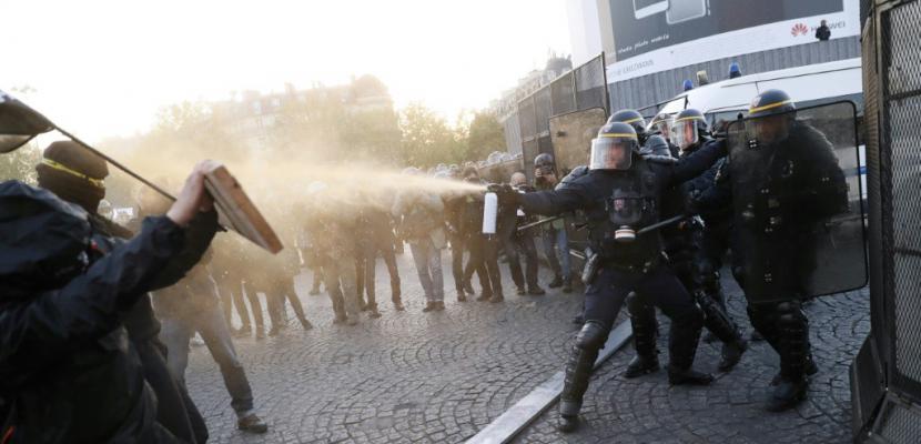 """Présidentielle: des """"antifascistes"""" manifestent à Paris"""