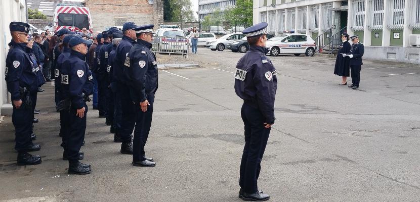 Normandie: l'hommage national au policier Xavier Jugelé