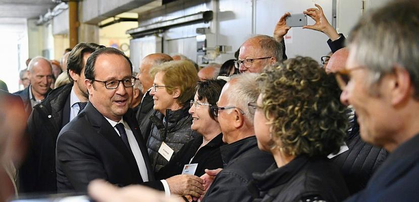 """Hollande: """"Rien n'est fait"""", """"l'enjeu c'est que le FN soit le plus faible possible"""""""