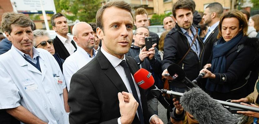 """Macron répond aux critiques et affirme que """"rien n'est gagné"""""""