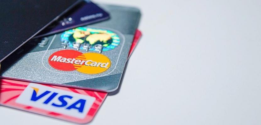 Escroqueries à la carte bancaire à Rouen : c'était le stagiaire de la banque