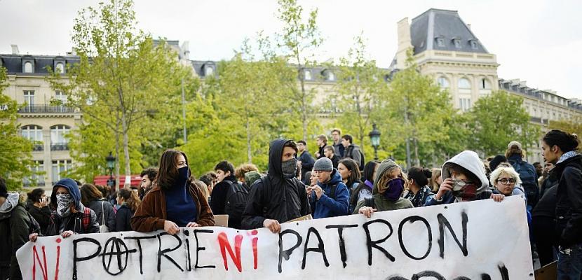 """""""Ni Marine ni Macron"""": des lycéens manifestent à Paris"""
