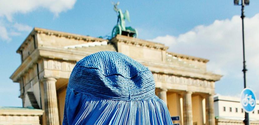 L'Allemagne interdit partiellement le port du voile intégral