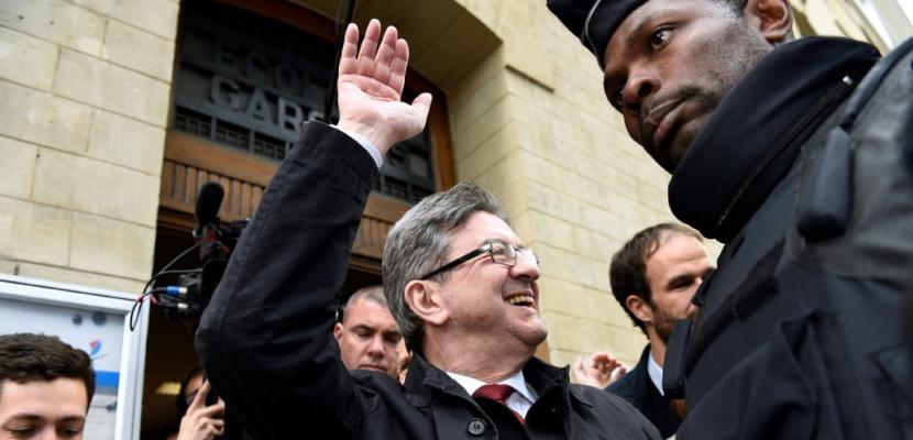 Mélenchon ne donne pas de consigne de vote et va diriger la bataille des législatives