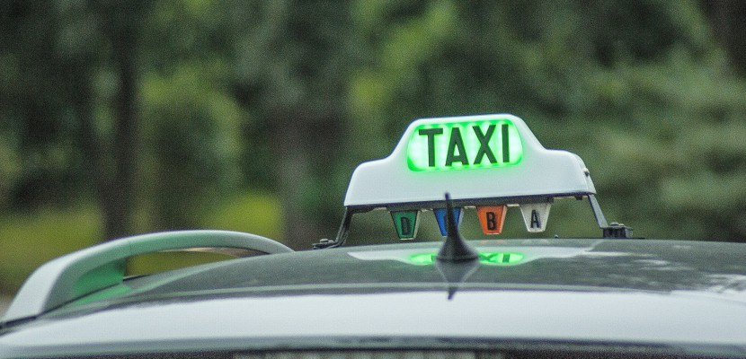 Près de Rouen, un taxi emmène gratuitement les personnes isolées jusqu'aux urnes