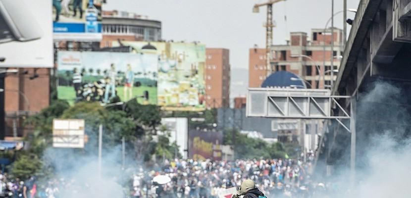 Venezuela: huitième semaine de manifestations, 49 morts