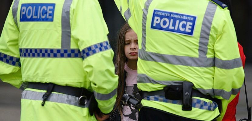 """Manchester: """"il y avait beaucoup d'enfants, c'est une tragédie"""""""
