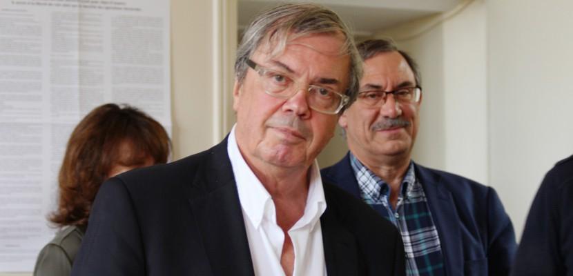 Indemnités de frais de mandat : Alain Tourret se défend desaccusations de Médiapart