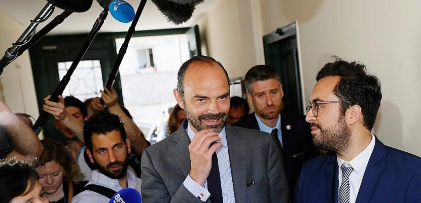 """Edouard Philippe: l'élection législative sera """"le juge de paix"""" pour Ferrand"""