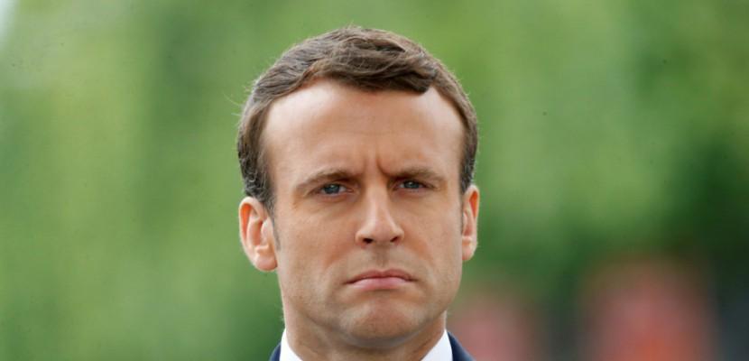 """Kwassa-kwassa: Macron prône """"l'apaisement"""" avec son homologue comorien"""